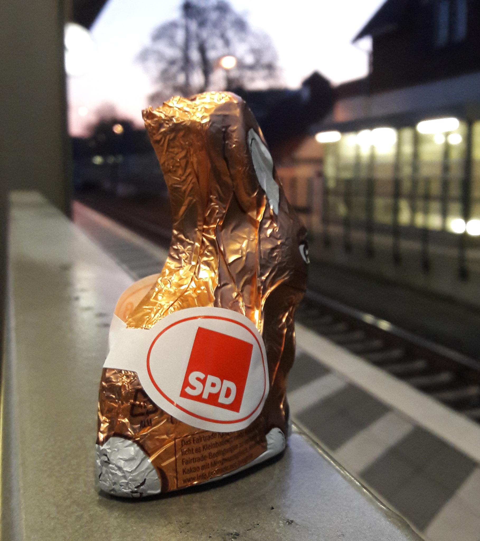 Osterhasenverteilung Bahnhof OHZ